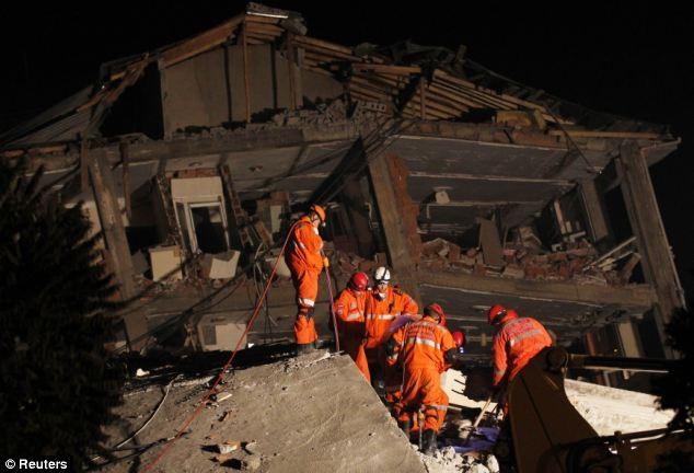 Thổ Nhĩ Kỳ dốc sức tìm kiếm các nạn nhân - ảnh 2