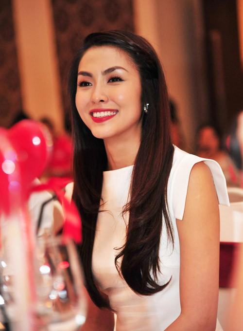 Thời trang tóc của Tăng Thanh Hà - ảnh 24