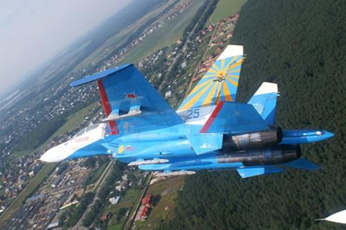Đội hình máy bay 'khủng' hộ tống Tổng thống Nga - ảnh 9