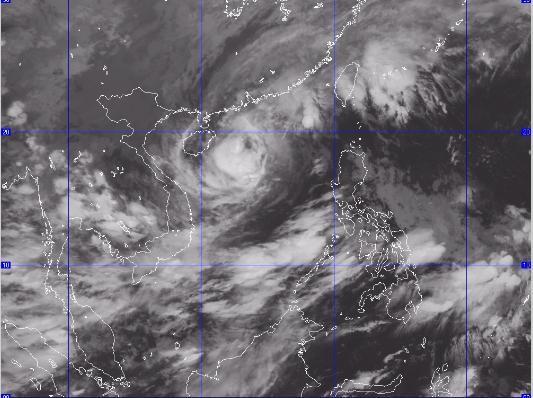 Bão số 6 đã tiến gần quần đảo Hoàng Sa. Ảnh: Trung tâm dự báo khí tượng thủy văn Trung Ương.