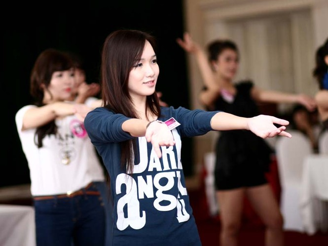Ngắm lớp học diễn catwalk của Miss Teen ở Tuần Châu - ảnh 4