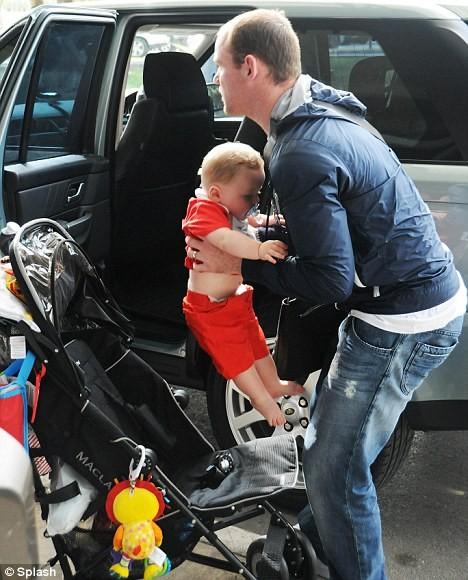 Rooney đưa vợ con đi nghỉ xả hơi - ảnh 2