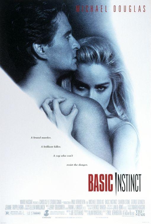 Basic Instinct cũng lôi kéo được một lượng khán giả lớn nhờ nhiều cảnh quay nóng bỏng