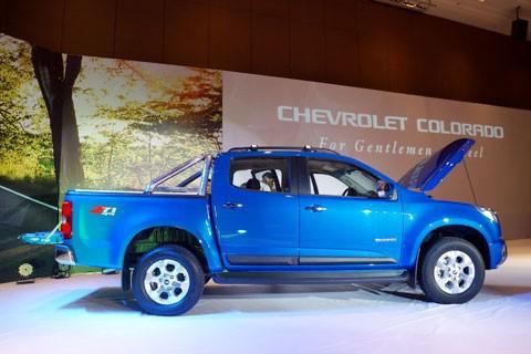 Cận cảnh Chevrolet Colorado LTZ - ảnh 10