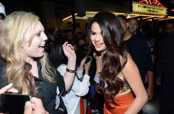 Selena Gomez  rạng rỡ trong buổi ra mắt phim mới - ảnh 7