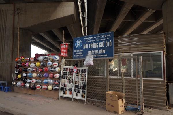 Sở GTVT làm ngơ bãi đỗ xe dưới gầm cầu - ảnh 6