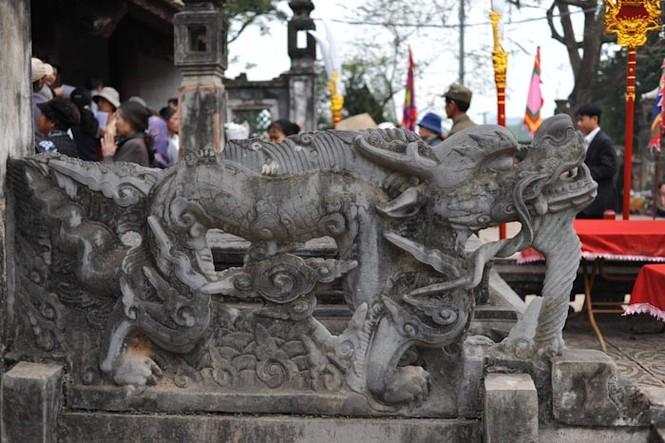 'Bí ẩn' sập rồng có đôi tay phụ nữ ở đền vua Đinh - ảnh 7