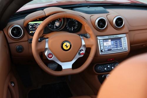 Ferrari tăng sức mạnh cho California đời 2012 - ảnh 3