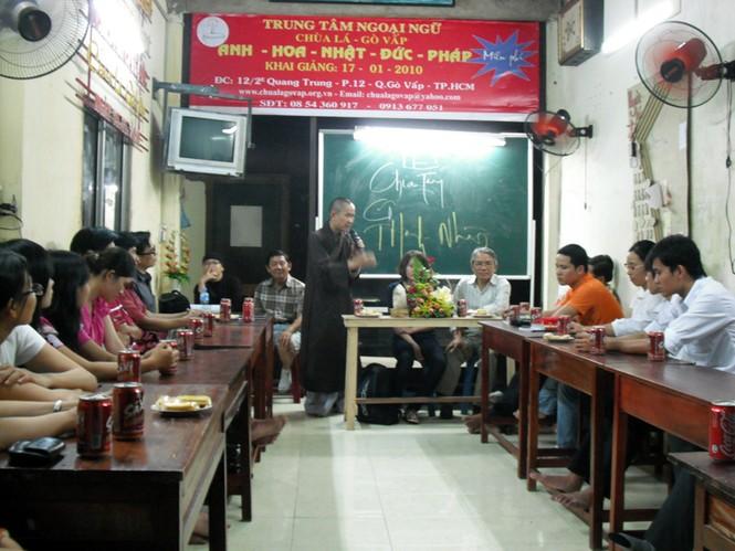 Nhà chùa chia tay giáo viên không dạy ở trung tâm nữa