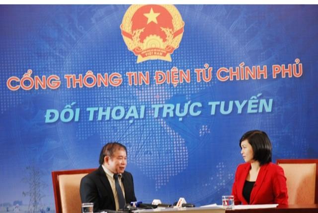 Thứ trưởng Bùi Văn Ga đối thoại trực tuyến tại Cổng TTĐT Chính phủ