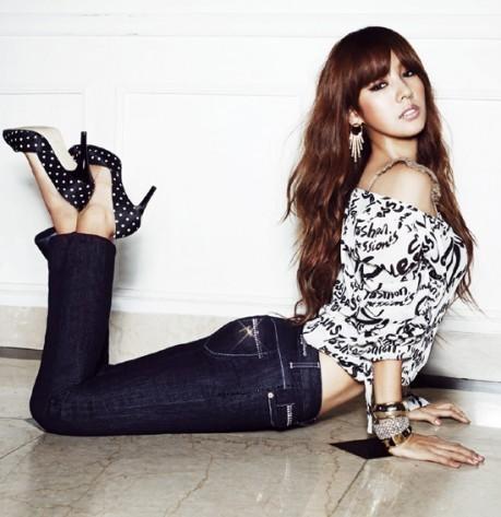 Nữ hoàng Kpop Lee Hyori chưa bao giờ hết sexy - ảnh 6