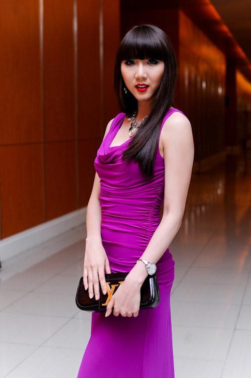 Người đẹp mới đây cũng gây sốt khi tiết lộ mức thu nhập 'khủng'