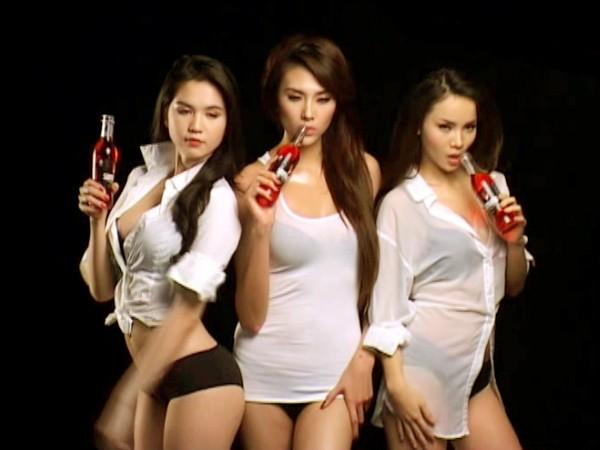 Ngọc Trinh, Hoàng Yến và Yến Trang trong mẫu quảng cáo quá sức gợi cảm của Samurai