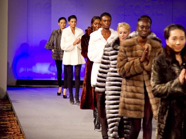 Hoàng Thùy lọt mắt xanh 'cha đẻ' Couture Fashion Week - ảnh 5