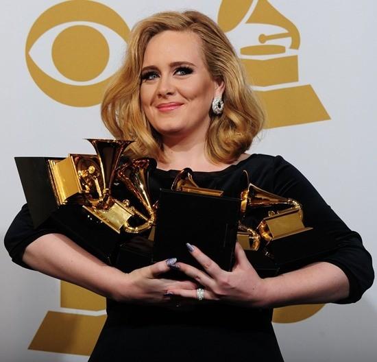 Adele – Nữ hoàng Grammy 2012 - ảnh 6