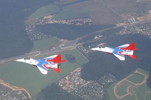 Đội hình máy bay 'khủng' hộ tống Tổng thống Nga - ảnh 4