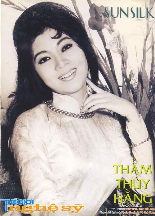 Thẩm Thúy Hằng là 'biểu tượng nhan sắc' một thời của màn ảnh Việt