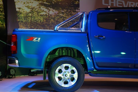 Cận cảnh Chevrolet Colorado LTZ - ảnh 4