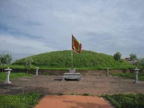 Lăng vua Trần Thái Tông ở Hòa Bình