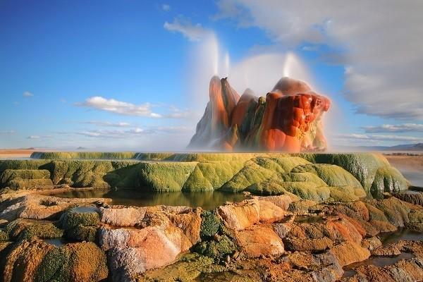 Chiêm ngưỡng 'vòi phun thiên nhiên' cầu vồng tuyệt đẹp - ảnh 9
