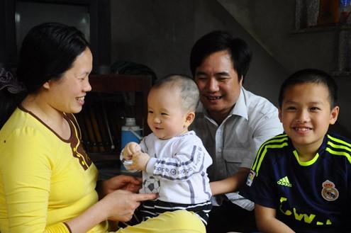 Cuộc sống hạnh phúc của gia đình thầy Hương