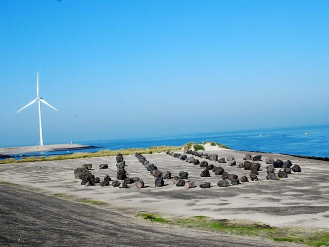 Thủ tướng Nguyễn Tấn Dũng thăm công trình đê chắn sóng Hà Lan - ảnh 11