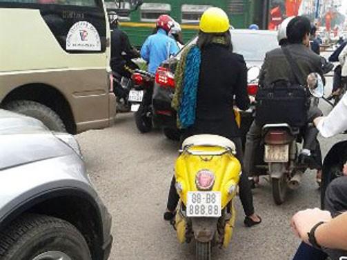 ...chiếc xe biển 88B8- 888.88 tại Vĩnh Yên