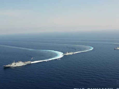 Tàu chiến Trung Quốc 'diễu võ dương oai' ở Trường Sa - ảnh 6