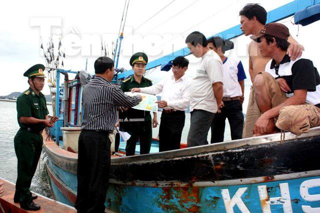 Kiểm tra hành chính tàu dân sự