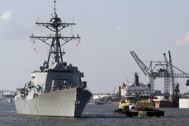 Tàu khu trục USS William P.Lawrence (DDG-110) của Hải quân Mỹ tham gia cuộc tập trận