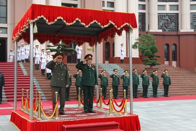 Lễ đón Bộ trưởng Quốc phòng Nga Sergei Shoigu tại Hà Nội hôm 4-3
