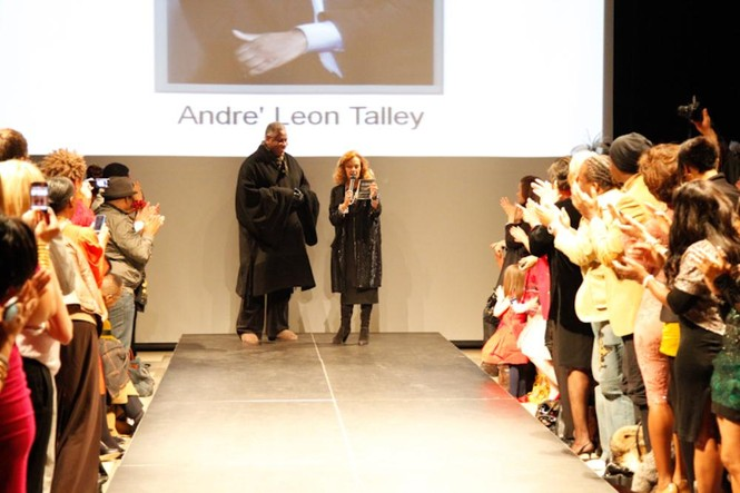 ông Andre' Leon Talley - biên tập của tạp chí thời trang nổi tiếng và quyền lực nhất thế giới – Tạp chí Vogue và cũng là giám khảo của America's Next Top Model
