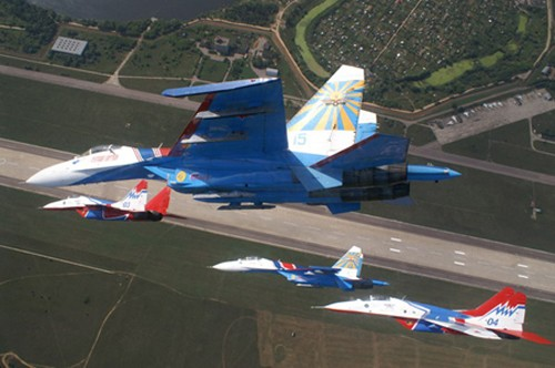 Đội hình máy bay 'khủng' hộ tống Tổng thống Nga - ảnh 2