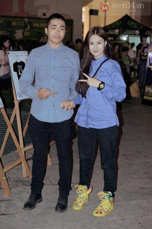 Phong cách ăn mặc của Hà Lade thời gian này rất cá tính