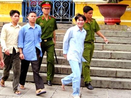 Các bị cáo bình thản sau khi bị tuyên y án tử hình