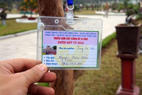 Tên và số điện thoại chủ cây được ghi rõ để tiện liên lạc