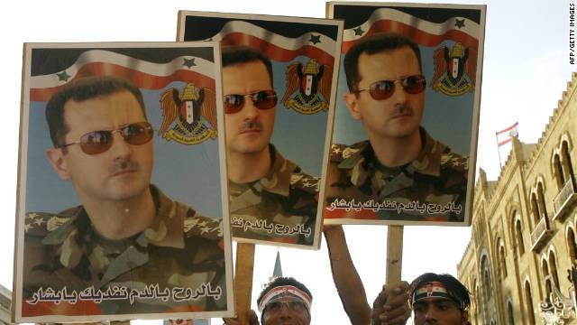 Người dân Syria đang biểu tình chống lại chế độ tổng thống Bashar Assad. Ảnh: CNN