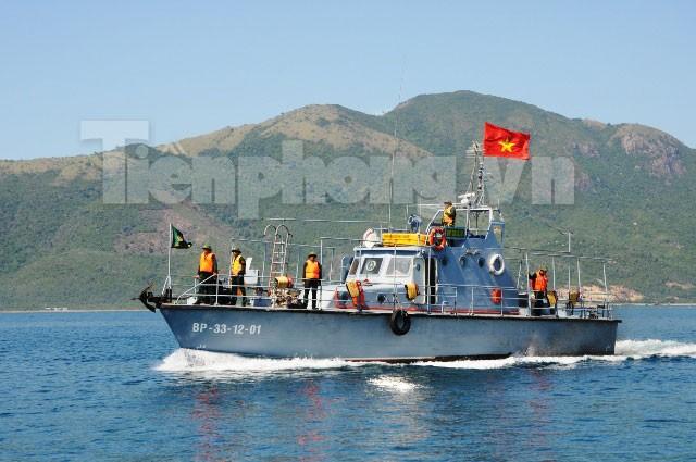 Biên phòng Đà Nẵng tuần tra trên biển