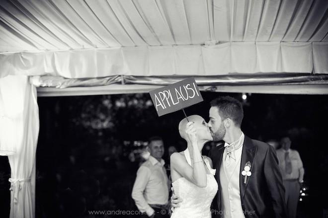 Khoảnh khắc lãng mạn trong đám cưới