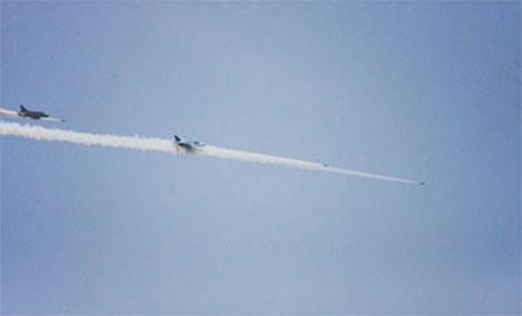 Biên đội Su-22 phóng rocket tấn công mục tiêu