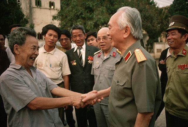 10 bức ảnh đẹp ấn tượng của Đại tướng Võ Nguyên Giáp - ảnh 8
