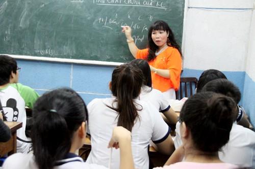 Theo nhận xét của nhiều học sinh, cô giáo Quỳnh Trâm dạy học dễ hiểu và cô rất thân thiện, hài hước
