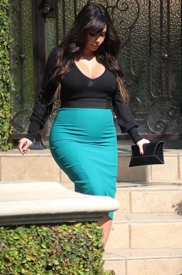 Cô Kim: Có bầu vẫn không bỏ đồ bó và giầy cao gót - ảnh 4