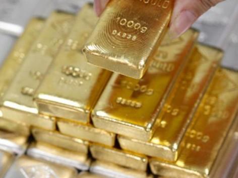 Giá vàng thế giới giảm 4,1% trong quý hai. Ảnh: Reuters