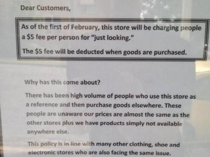 Tờ giấy ghi rõ việc thu tiền của cửa hàng
