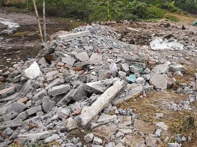Nhà của gia đình ông Vươn bị phá sau hôm cưỡng chế