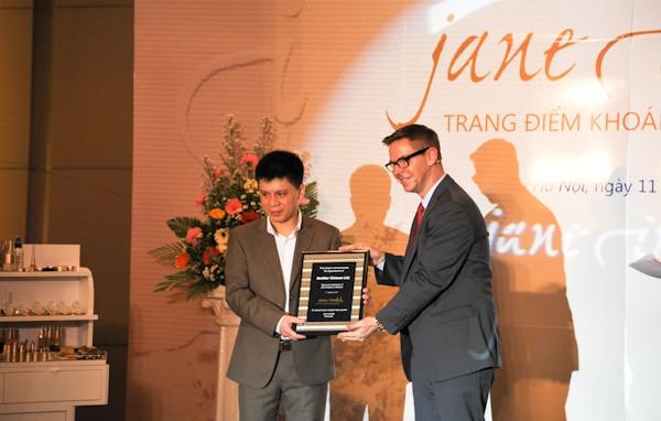 Mỹ phẩm Jane Iredale chính thức có mặt tại Việt Nam - ảnh 2
