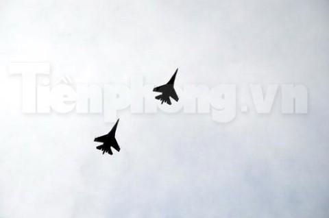 Tiêm kích đánh chặn SU-27 hùng dũng lướt trên vùng trời tổ quốc