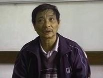 Ông Đàm Hữu Tuấn trong buổi làm việc với phóng viên