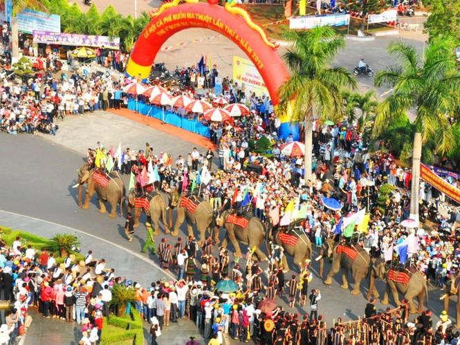 Bản sắc văn hóa Tây Nguyên trong Lễ hội Cà phê Buôn Ma Thuột lần thứ 4